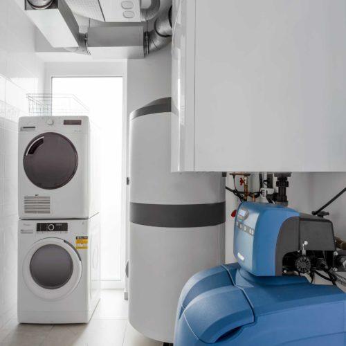 Vaillant hővisszanyerős lakásszellőztető rendszer. Stiebel Eltron elektromos HMV előállítás és BWT vízlágyítás. szerelésvezető: Fazekas Zoltán